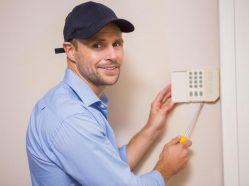 electrician brisbane working